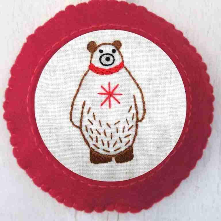 festive bear tree decoration pattern