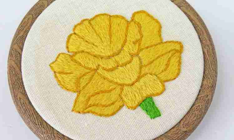 daffodil embroidery pattern