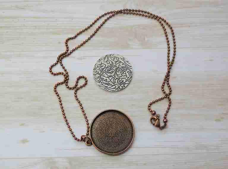 embroidery copper pendant circle
