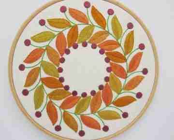 golden leaves embroidery pattern